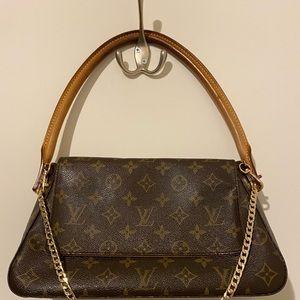 Louis Vuitton purse like new 💯 % authentic